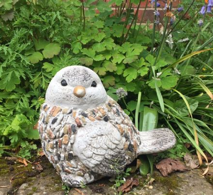 Natural Stones Effect Garden Patio Bird Ornament Feature